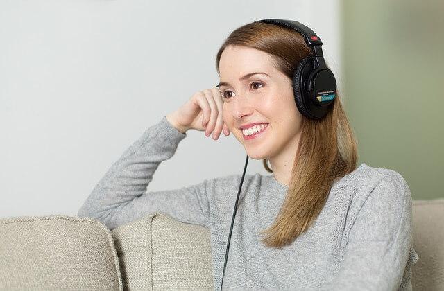 Student lyssnar på ljudböcker
